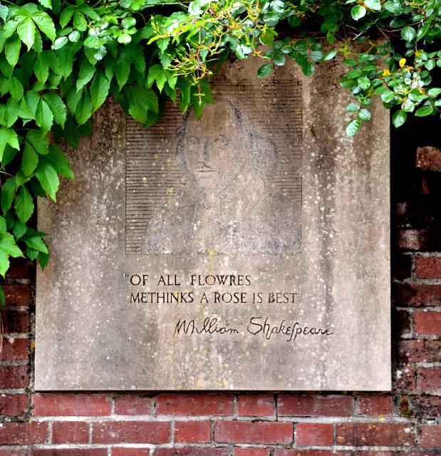 William Shakespeare rose sign